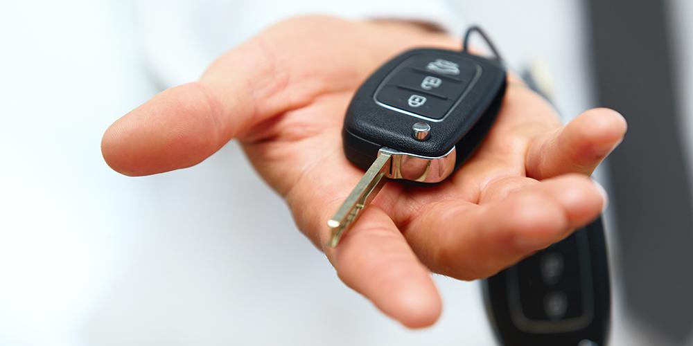 car-key-in-hand1